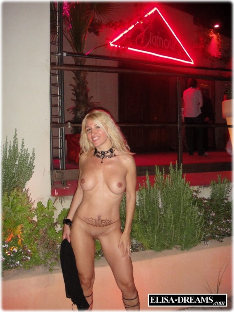 Sexy hotwife naked in Cap d'Agde