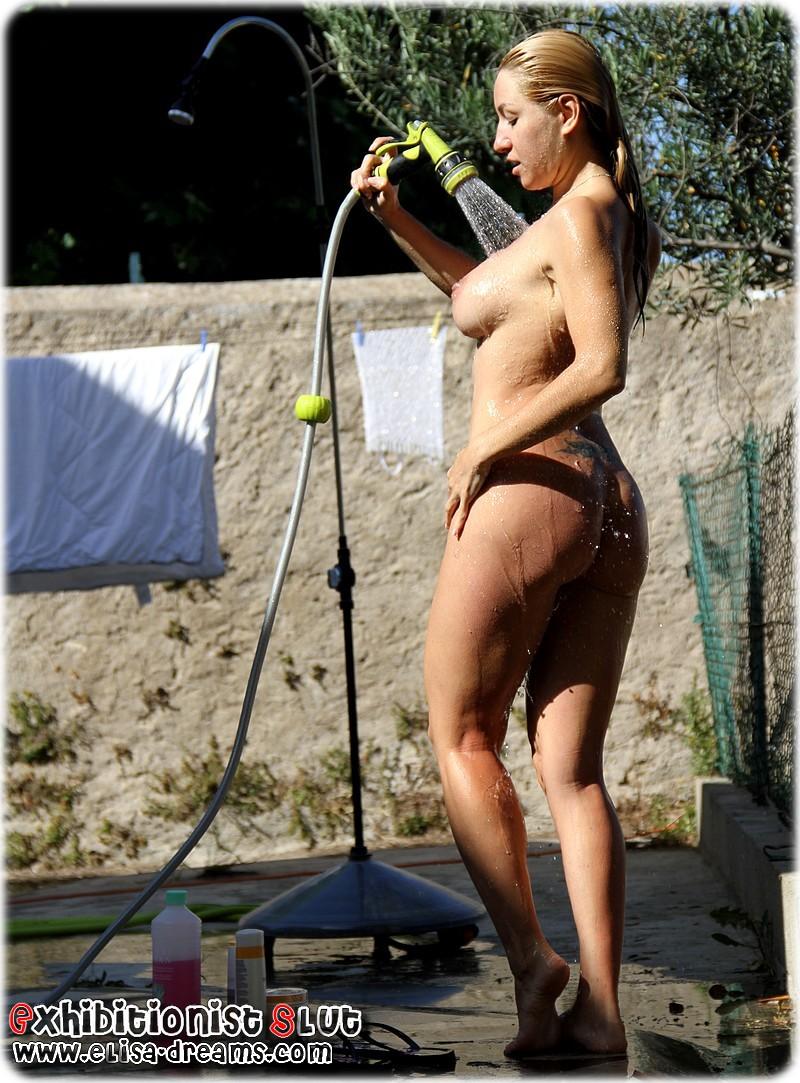 hot flashing nude wife My