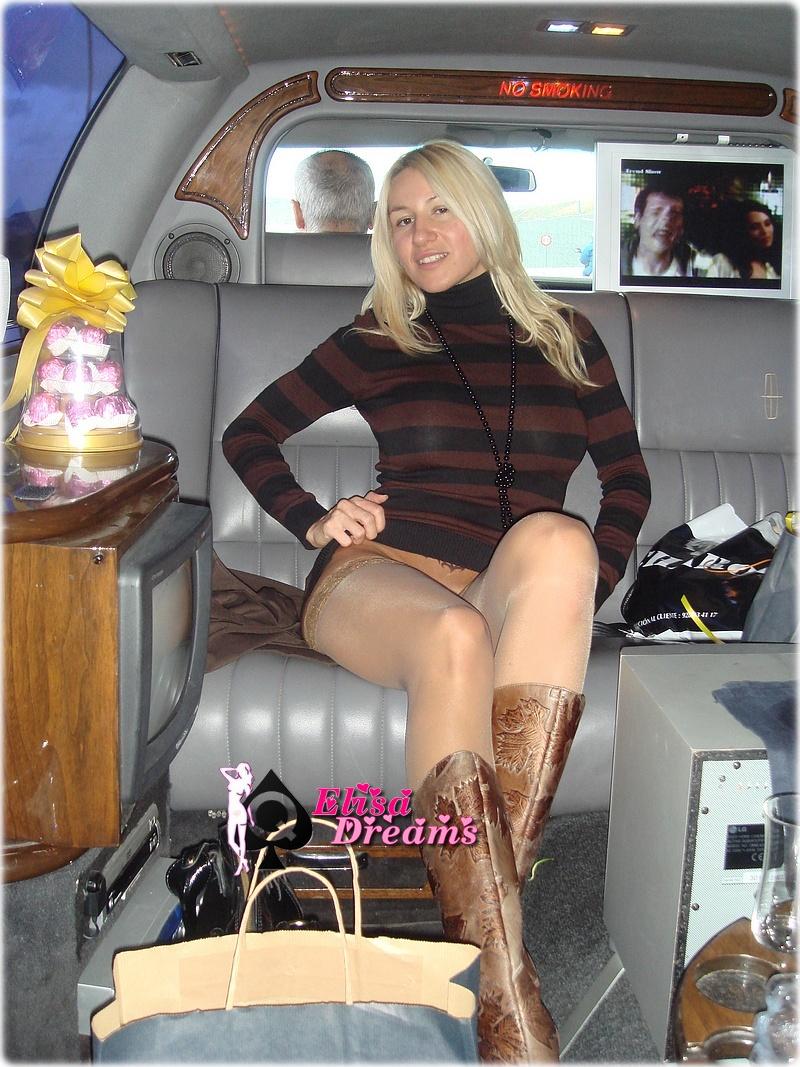Ma femme sans culotte dans la limousine
