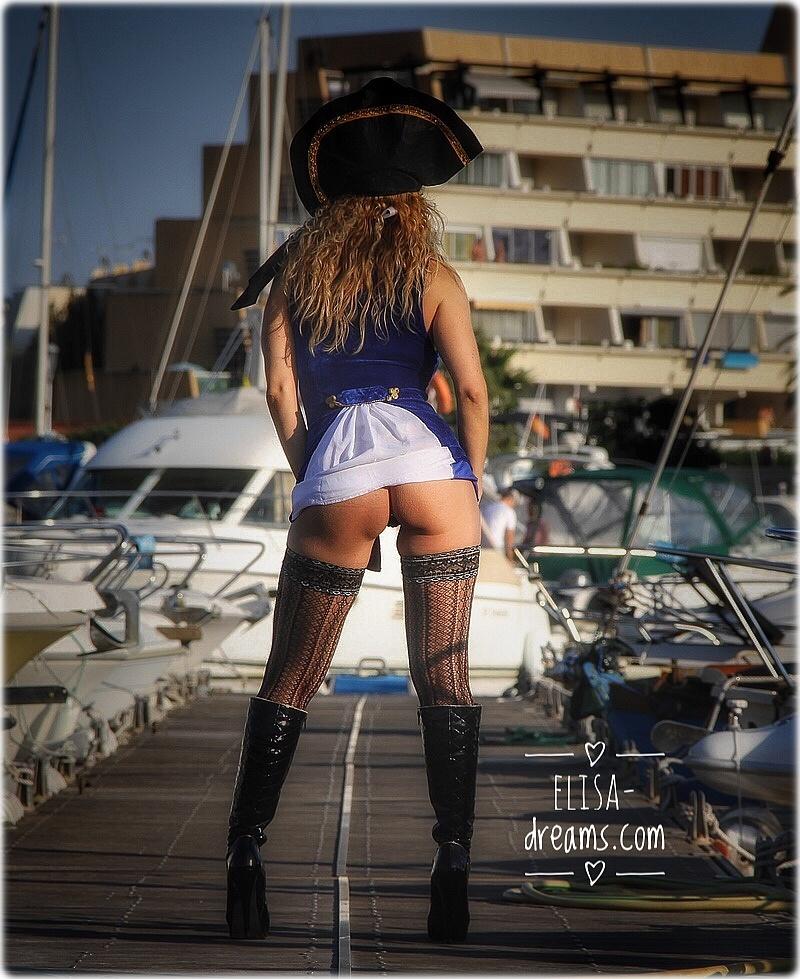 Sexy pirate sans culotte